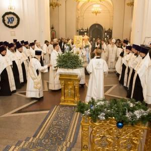 2020.01.09 вечерняя с поздравлениями в Успенском соборе-10