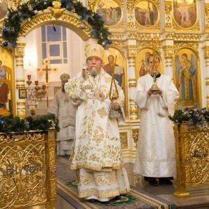 2020.01.09 вечерняя с поздравлениями в Успенском соборе-11