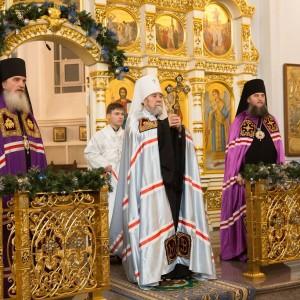 2020.01.09 вечерняя с поздравлениями в Успенском соборе-15