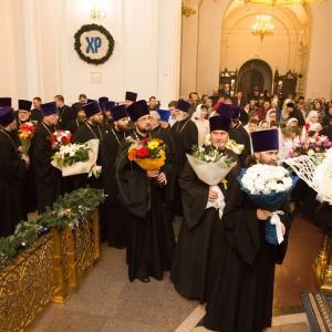 2020.01.09 вечерняя с поздравлениями в Успенском соборе-39