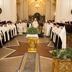 2020.01.09 вечерняя с поздравлениями в Успенском соборе-6