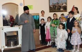 Приходская жизнь храма в честь святой великомученицы Параскевы Пятницы в Святочные дни