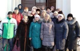 В святки педагогический коллектив бюджетного общеобразовательного учреждения города Омска «СОШ № 124» совершил паломническую поездку по храма Омска