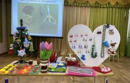 Сохраняя православные традиции в 96 детском саду воспитателей обучали рукоделию
