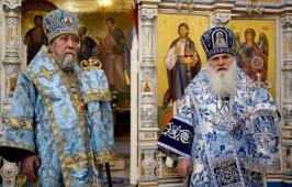 Митрополит Омский Владимир и митрополит  Ташкентский Викентий совершили Литургию в соборе в Ташкенте